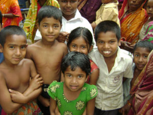 brac_microcredit_borrowers_and_children_gazipur_district_1_500x375